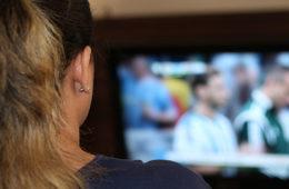 Jóvenes consumen TV de forma diferente: estudio
