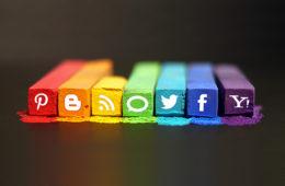 ¿Es aconsejable estandarizar la estrategia en redes sociales?