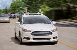 Ford ofrecerá vehículos autónomos sin volante en 2021