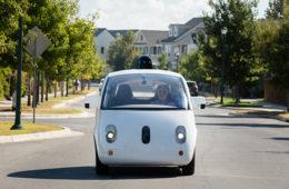 Google busca tecnología para llevar pasajeros en vehículos autónomos
